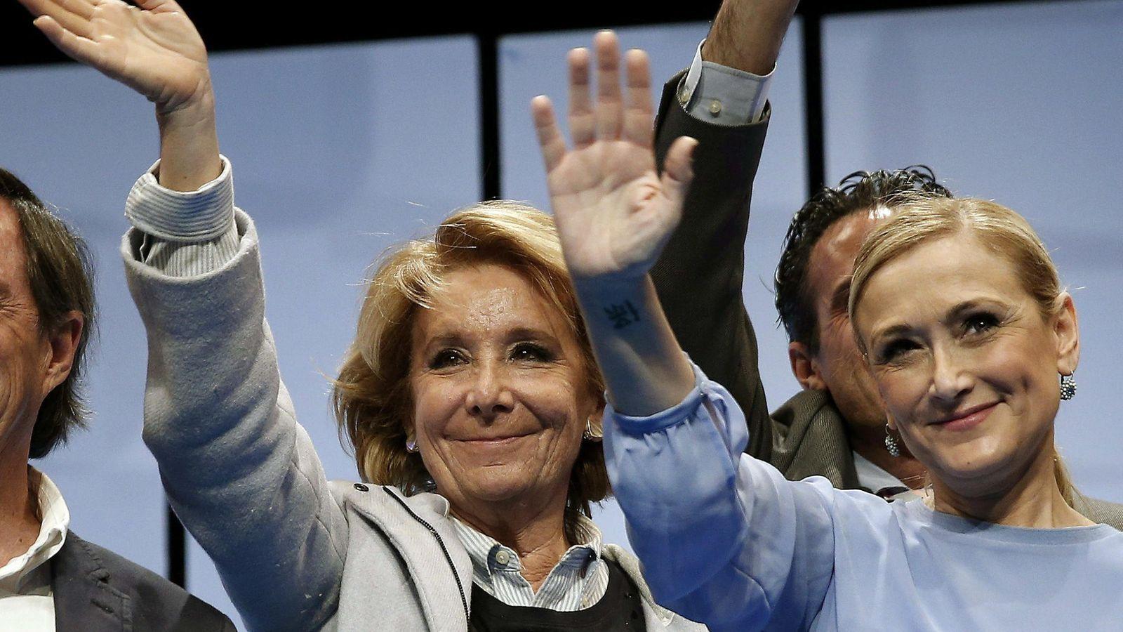 Foto: Las candidatas del PP a la Alcadía y a la Comunidad de Madrid, Esperanza Aguirre y Cristina Cifuentes. (EFE/Chema Moya)