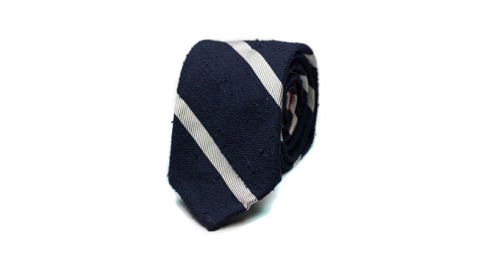 Foto: La importancia de una corbata. (Cortesía The Sëelk)