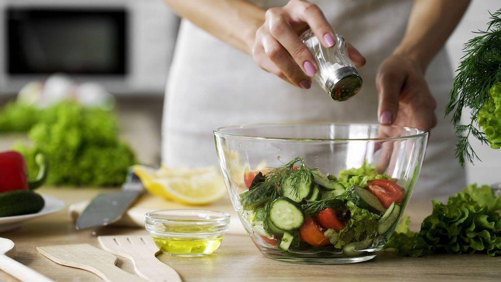Cómo reducir la sal y que la comida te quede igual de rica