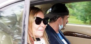 Post de Las desgarradoras imágenes de Ana Obregón y Alessandro Lequio en el entierro de su hijo