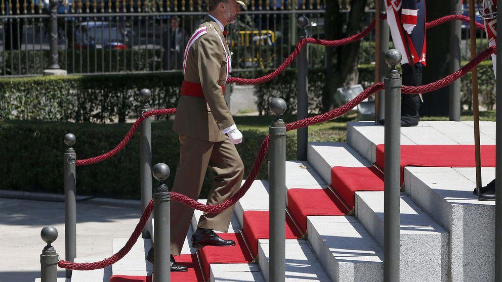 Felipe VI preside su primer desfile de las Fuerzas Armadas
