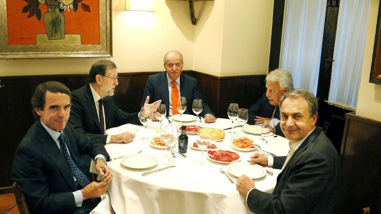 El rey emérito cena con Rajoy, Zapatero, Aznar y González en Casa Lucio