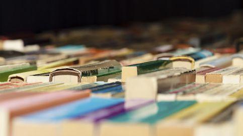 Estafan 87.000 euros a un hombre mayor con la venta de libros en Gipuzkoa