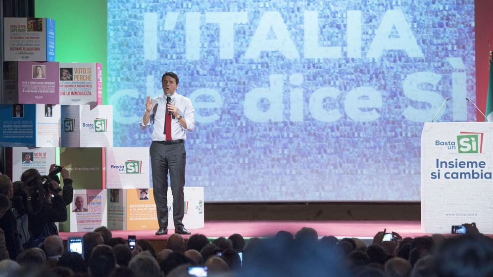 Foto: El primer ministro Matteo Renzi, en un acto de la campaña por el Sí en Matera, el 19 de noviembre de 2016 (EFE)