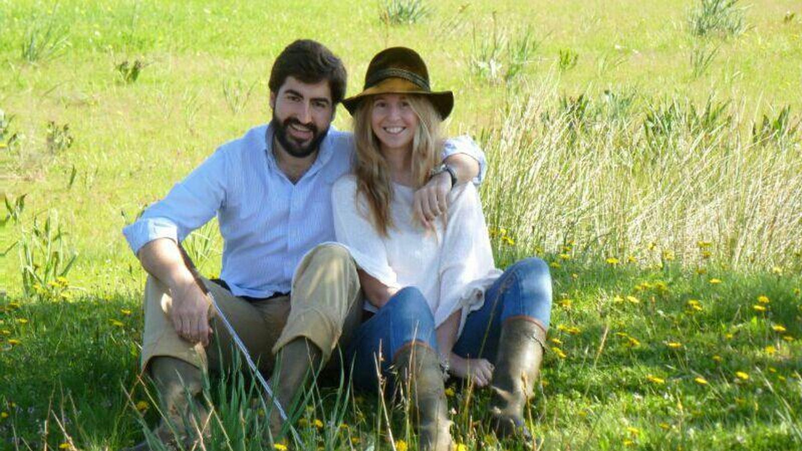 Foto: Javier Morán y Cristina Alabart, en la imagen que aparece en una web de listas de bodas