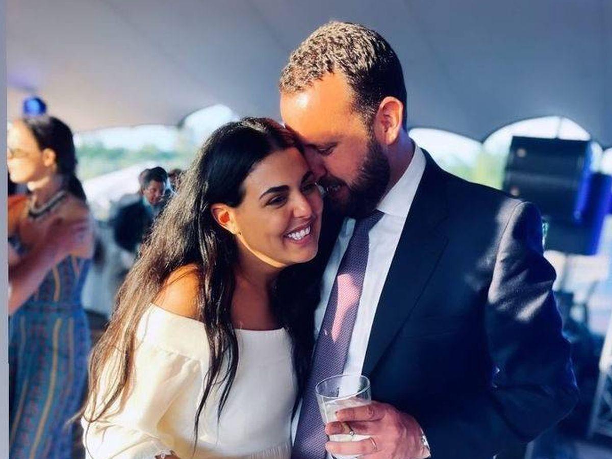 Foto: Marina Gómez de Baeza y Alberto Hevia, en su boda. (Redes sociales)