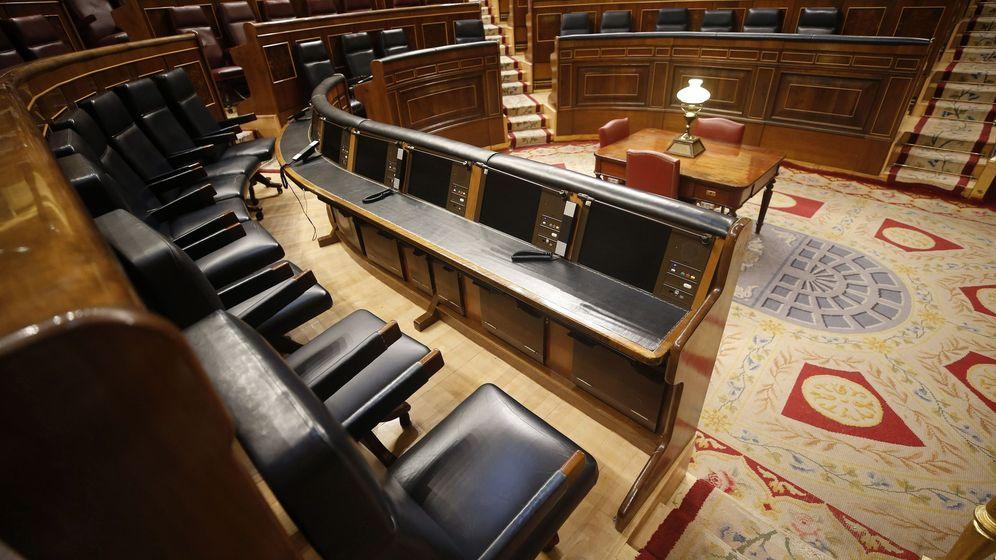 Foto: Pedro Sánchez se sentará justo en el otro extremo al de Rajoy en el Congreso. (EFE)