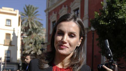 La reina Letizia, con flores de Feria para una nueva jornada en Sevilla