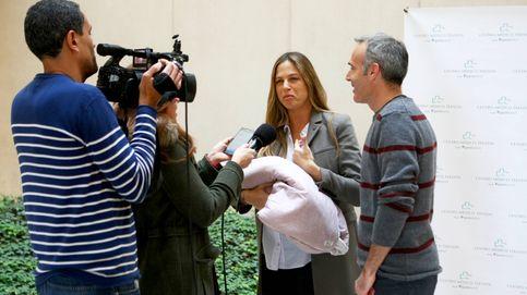 Martina Klein y Álex Corretja presentan a su hija Erika en sociedad