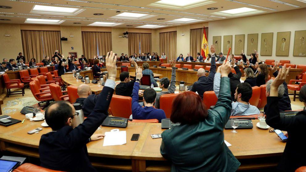 Sánchez salva su último examen en el Congreso entre críticas de los grupos