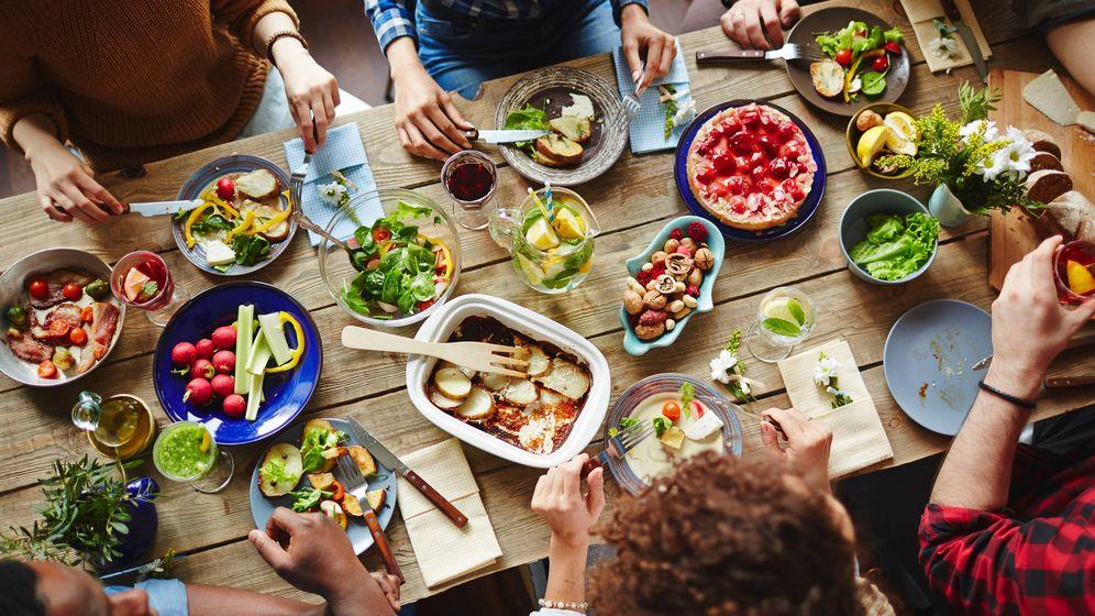 Foto: Carbohidratos, proteínas, frutas y verduras están permitidos en esta propuesta. (iStock)