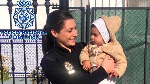 Dos policías salvan a un bebé de 14 meses de morir ahogado en Córdoba