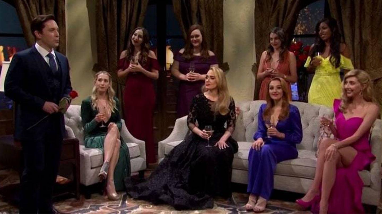 Adele, en una escena de 'The Bachelor'.