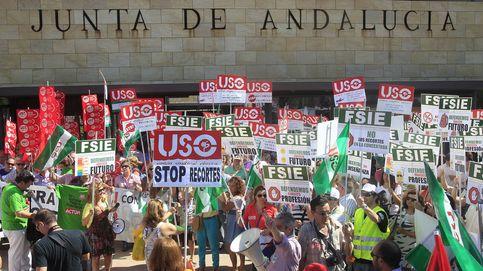 La Junta deja tirados a miles de maestros e incendia otra rebelión en Andalucía