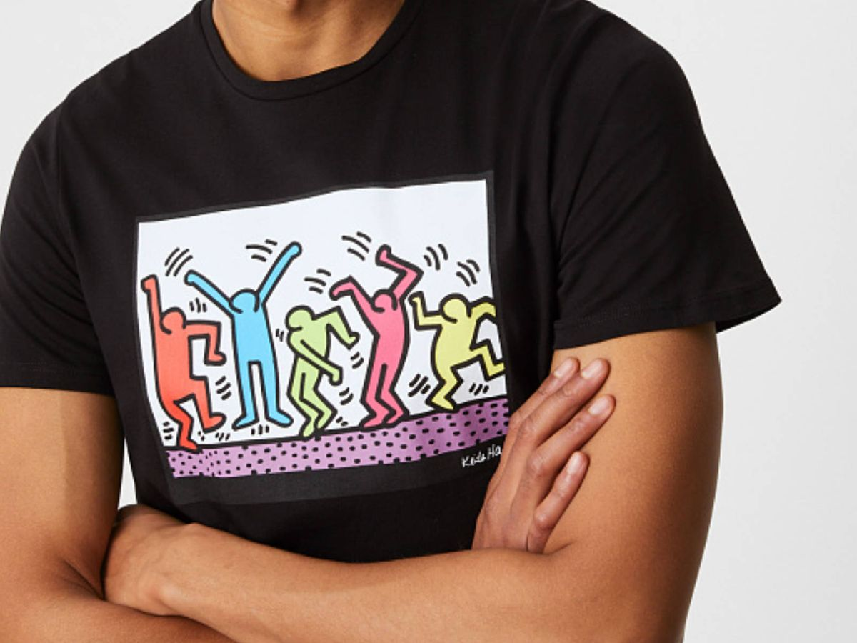 Foto: Las camisetas de CyA que recuperan los diseños de Keith Haring. (Cortesía)