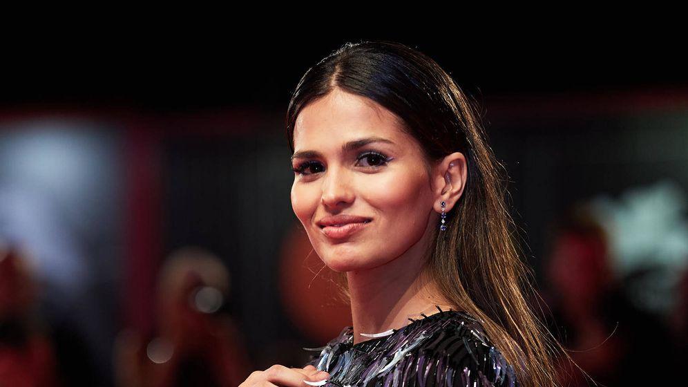 Foto: Sara Sálamo en el Festival de Cine de Venecia. (Cortesía de Armani)