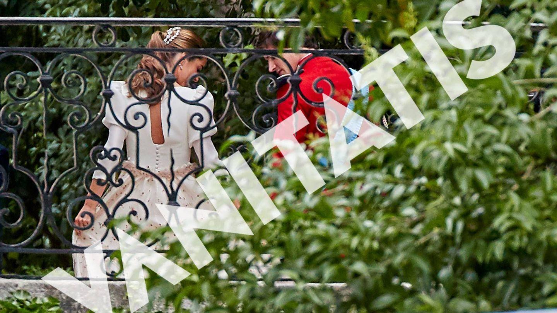 Belén Corsini, vestida de novia junto a Carlos Fitz-James Stuart. (Vanitatis)