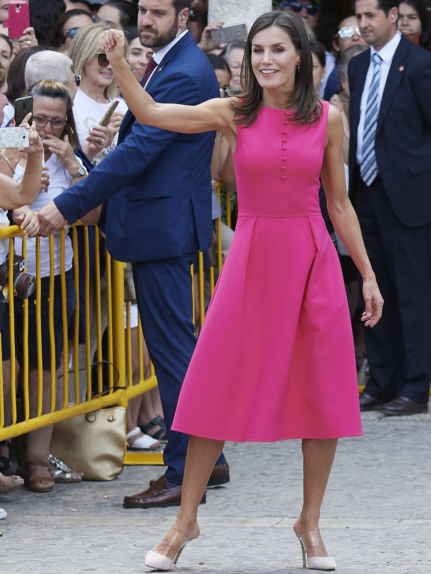 La reina Letizia, con zapatos de vinilo en Almagro. (Getty)