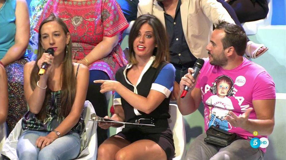 Foto: Núria Marín en 'Mad in Spain' con la invitada en cuestión. (Mediaset España)