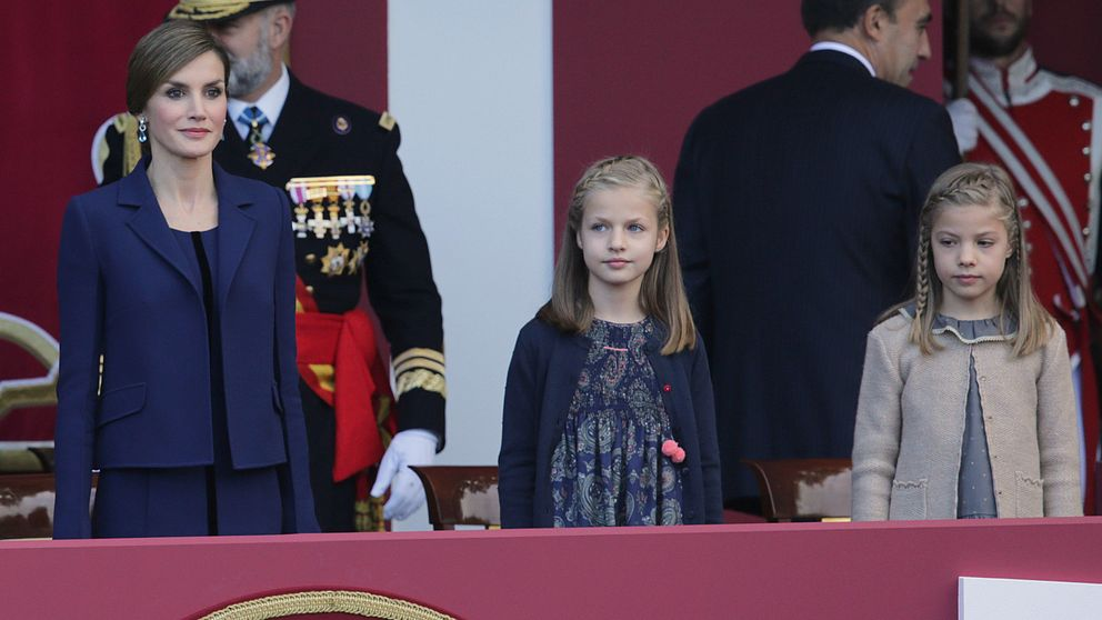 Doña Letizia y sus hijas, discretas y previsibles en el Día de la Fiesta Nacional