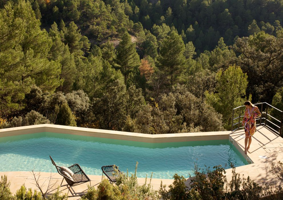 Foto: La piscina excavada en la roca del hotel Consolación en Matarraña (Teruel)