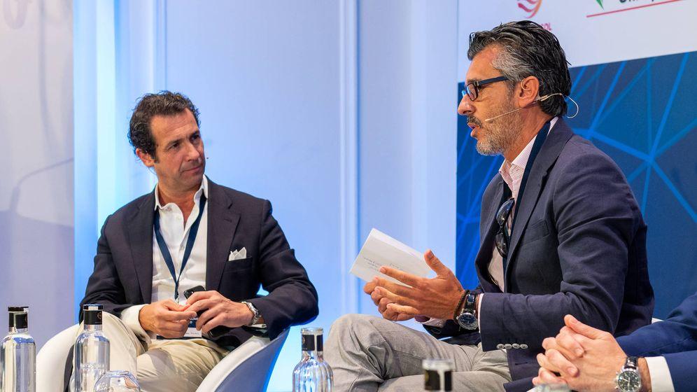 Foto: Antonio López de Ávila, expresidente de Segittur, y José Luis Córdoba, director gerente de Turismo Andaluz.