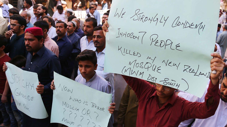 Manifestaciones contra los ataques de Nueva Zelanda en Pakistán (Reuters)