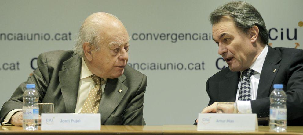 Foto: El presidente fundador de CiU, Jordi Pujol (i), y el presidente de la Federación y de la Generalitat, Artur Mas. (EFE)