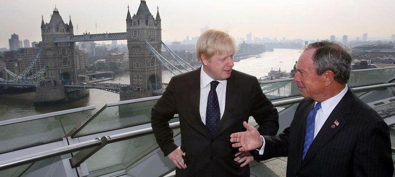 Foto: El alcalde de Londres Boris Johnson, a la izquierda, junto al alcalde de Nueva York, Michael Bloomberg. (Reuters)