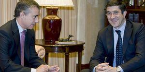 El PNV vuelve a ganar a Patxi López y controlará la fusión de las cajas vascas