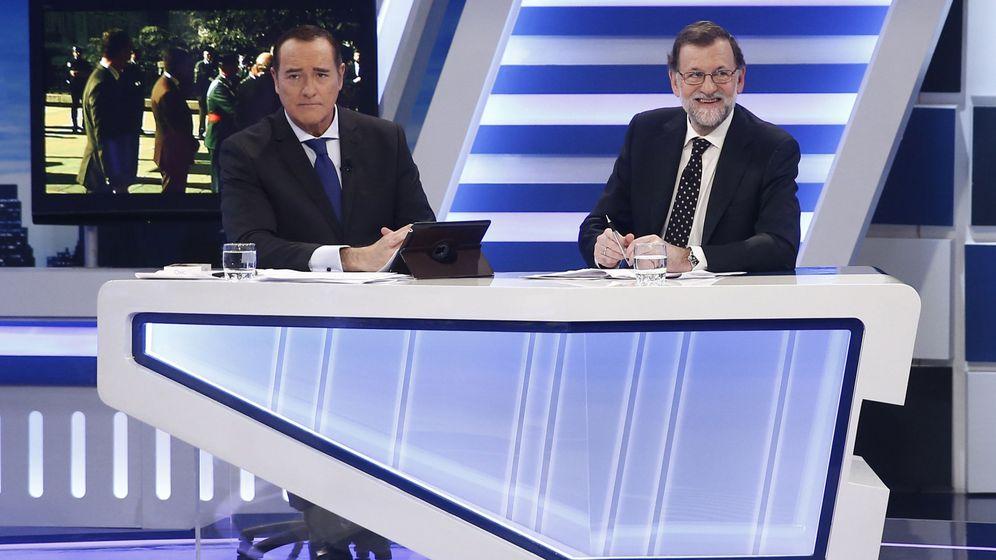 Foto: Mariano Rajoy, en una entrevista con Antonio Jiménez en 13 TV. (EFE)