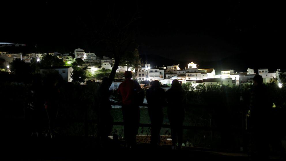 Una lucha titánica contra la montaña: los equipos del rescate de Julen, desolados