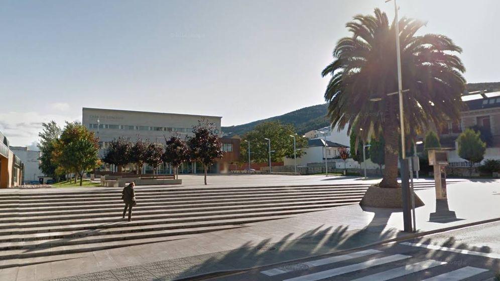 Foto: Plaza del Ayuntamiento de Burela. (Google maps)