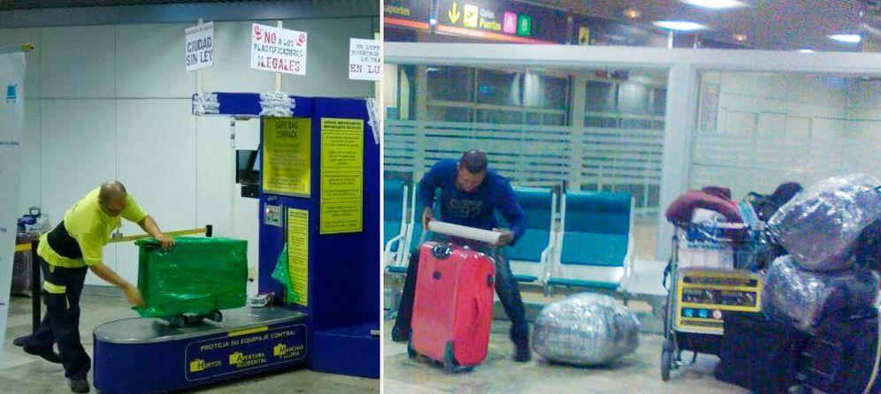 Foto: Uno de los trabajadores de la empresa que se querella contra Aena (i). Un integrante de la mafia que también plastifica las maletas (d).