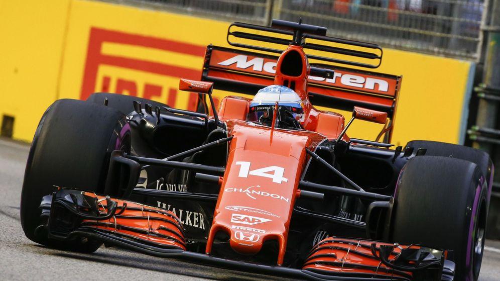 Foto: Fernando Alonso en el pasado GP de Singapur. (EFE)