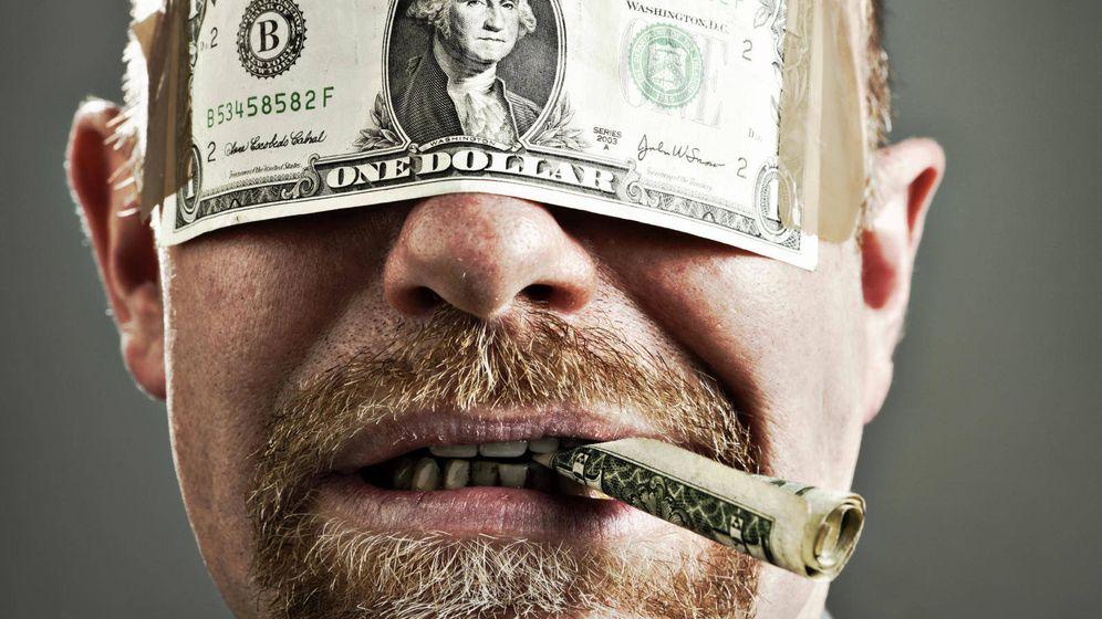 Foto: En qué gastan el dinero los afortunados premiados en los sorteos de Lotería (iStock)