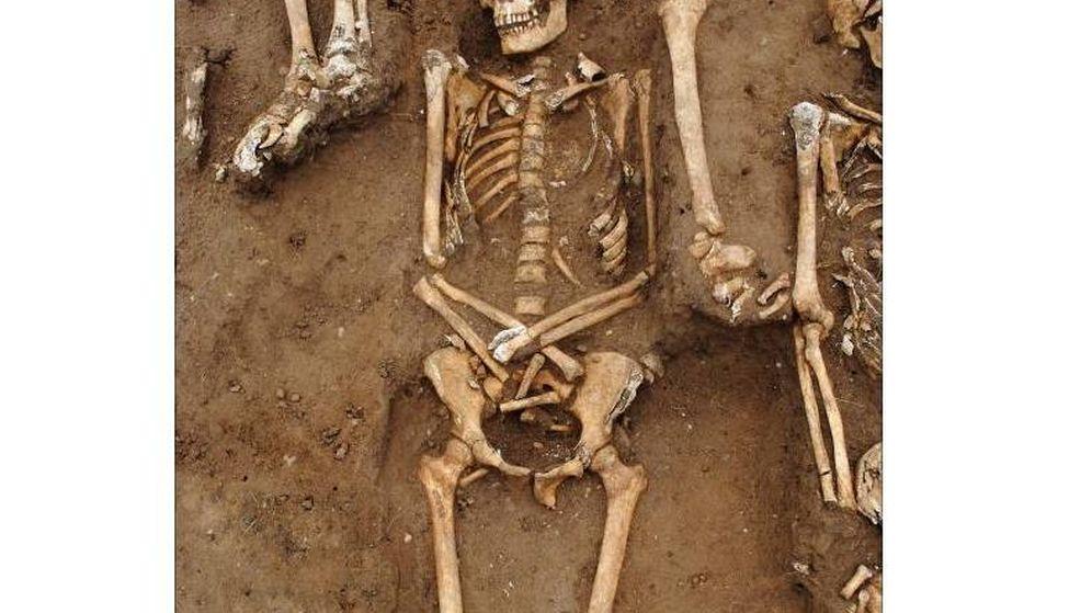 Foto: Restos de los cuerpos hacinados en la fosa común. Foto: Universidad de Universidad de Sheffield