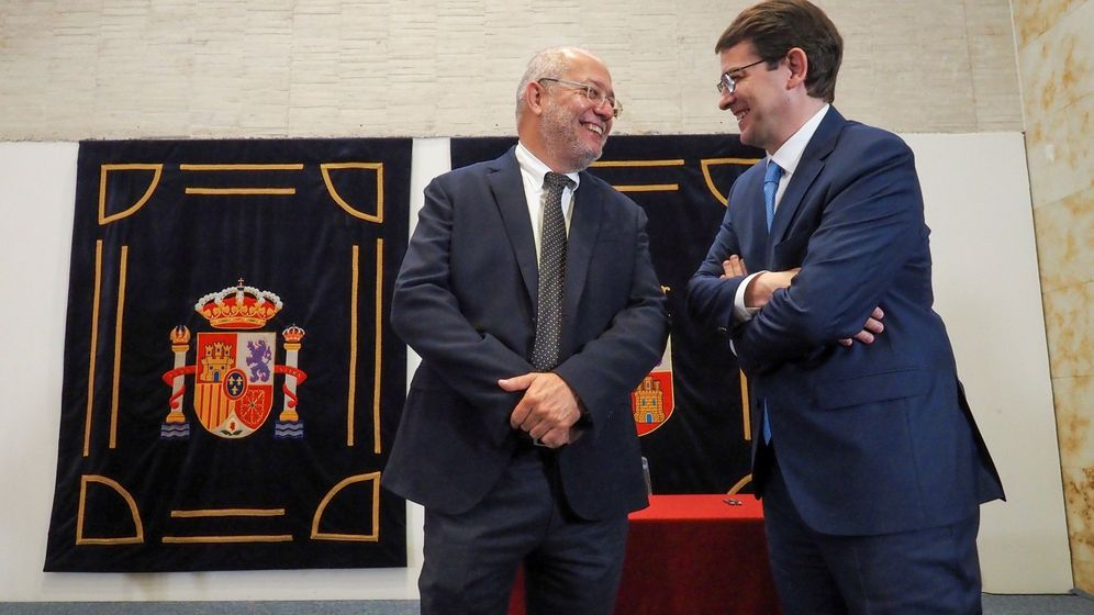 Foto: Los líderes de regionales de Ciudadanos, Francisco Igea, y PP, Alfonso Fernández Mañueco.