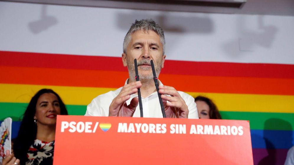 Foto: Grande-Marlaska en un acto del PSOE durante el Orgullo. (EFE)