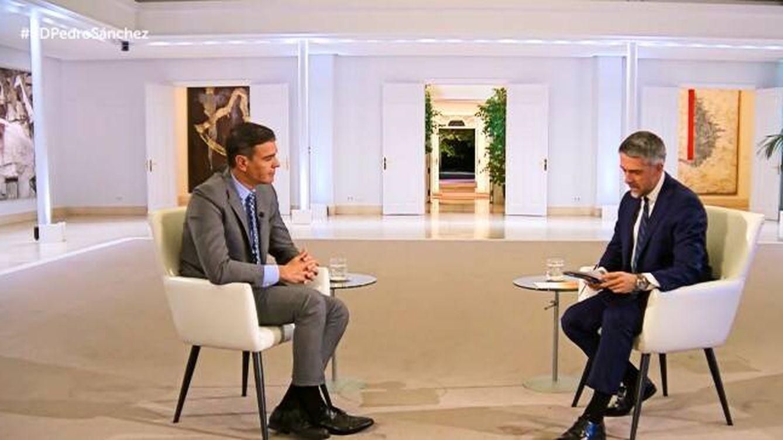 Pedro Sánchez se entrevista a sí mismo en TVE