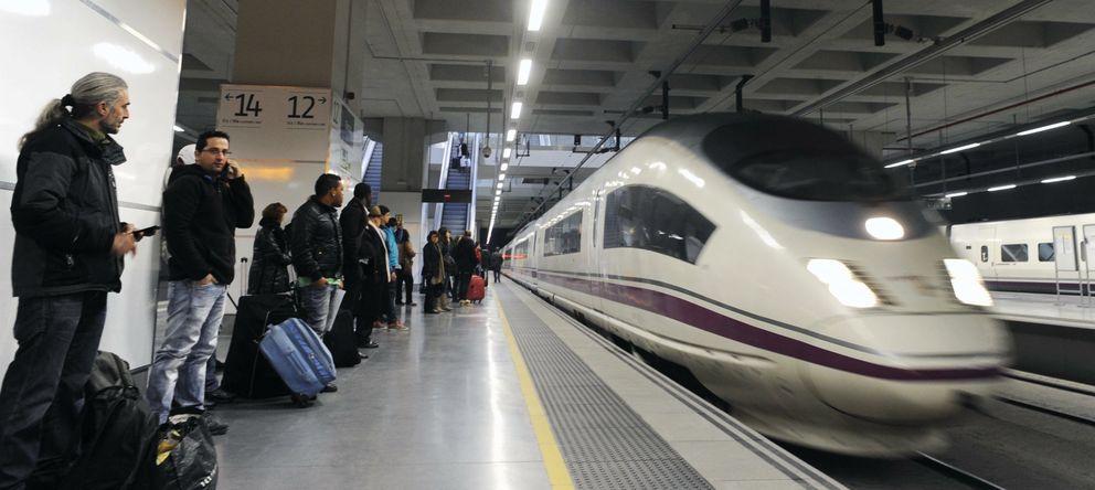 Foto:  Vista de un tren AVE en la estación de Girona (EFE)