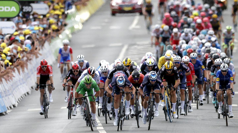 Imagen del 'sprint' final. (REUTERS)