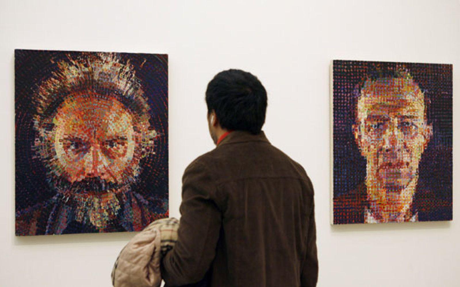Foto: Los grandes retratos de Chuck Close, por primera vez en España