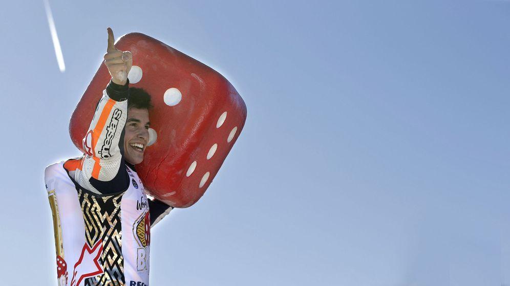Foto: Márquez celebrando su título de 2017 en Valencia. (EFE)