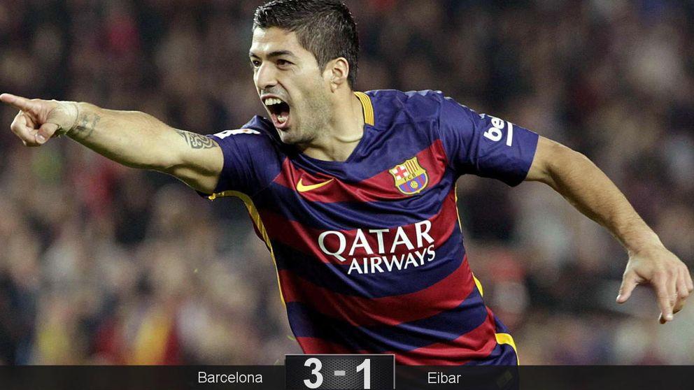 Suárez vuelve a salvar a un Barça que sigue con un agujero en su defensa