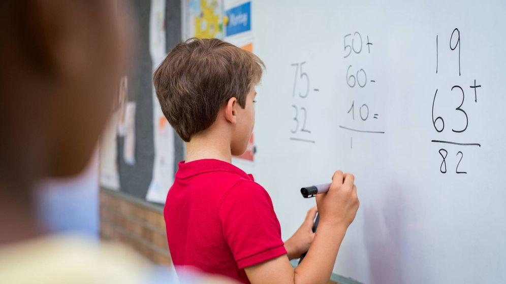 Foto: Niño en escuela. (iStock)