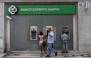 Los bonistas de BES buscan tajada de la venta de su aseguradora