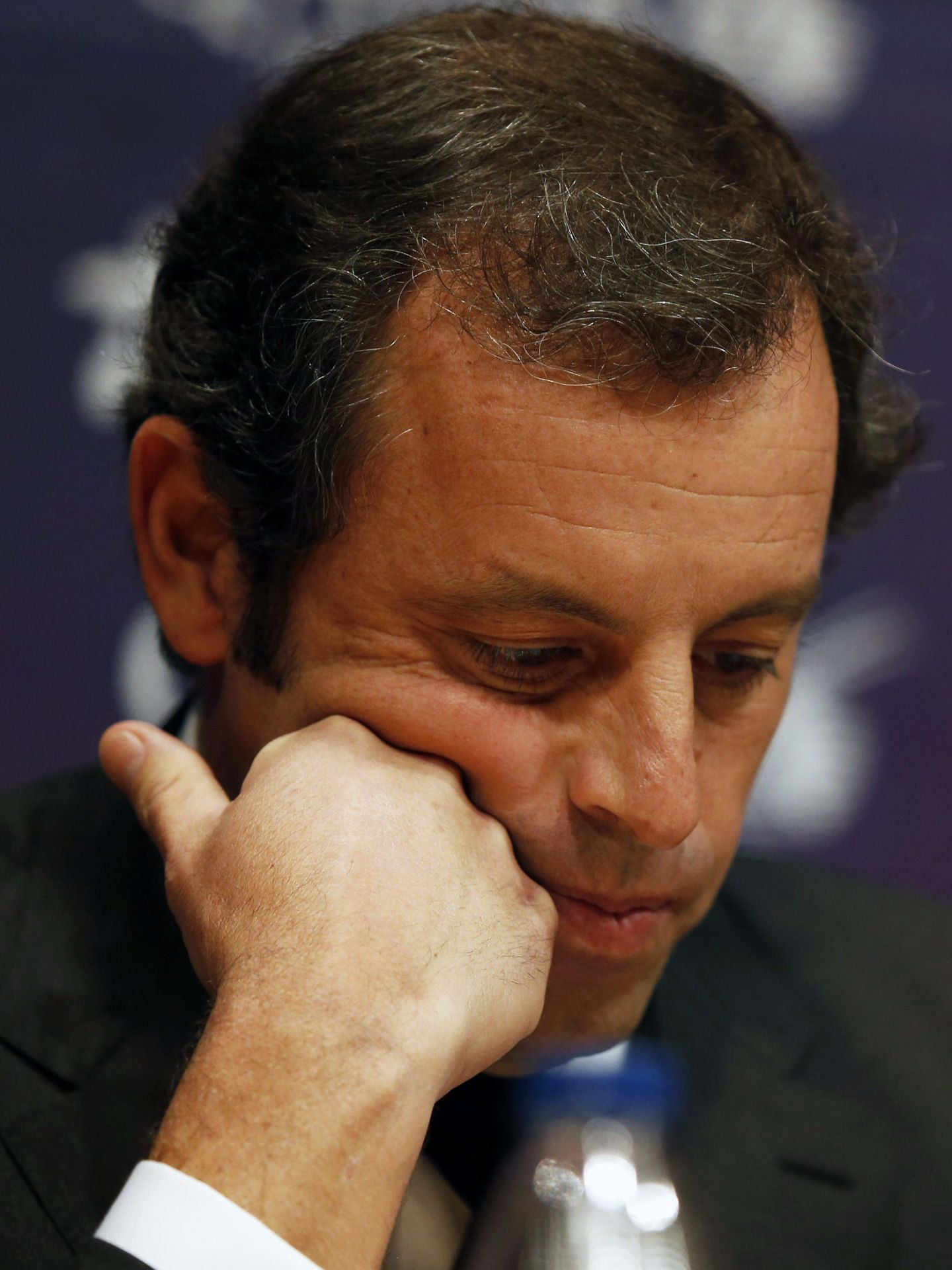 Sandro rosell presenta la dimisión como presidente del fc barcelona