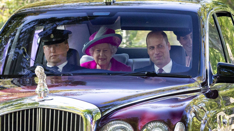 Los royals, camino de la iglesia. (Getty)