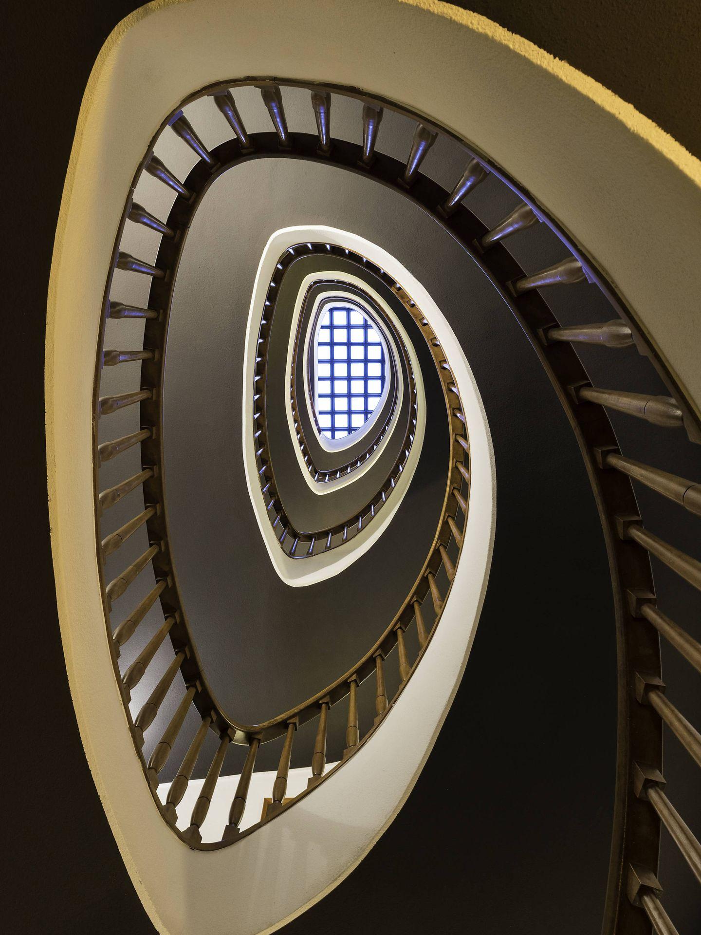 Escalera de caracol en el hotel Primero Primera de Barcelona. (Cortesía)